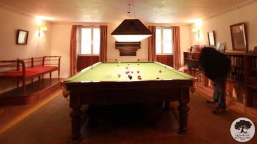 007-billiard room